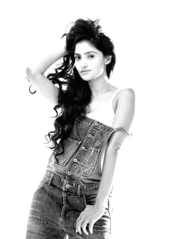 Actress Shalini Vadnikatti during the photo shoot - Shalini Vadnikatti