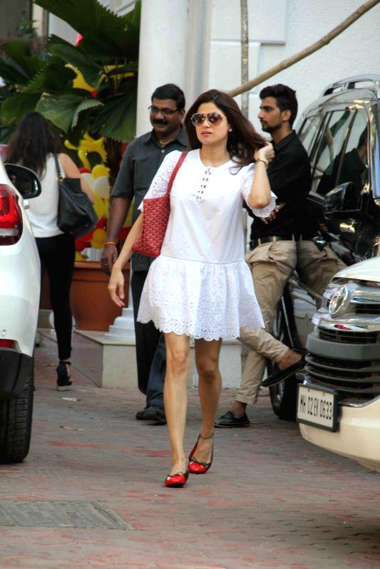 Actress Shamita Shetty during Shilpa Shettys son Vivaans 5th birthday party in Mumbai, on May 22, 2017. - Shamita Shetty and Shilpa Shetty
