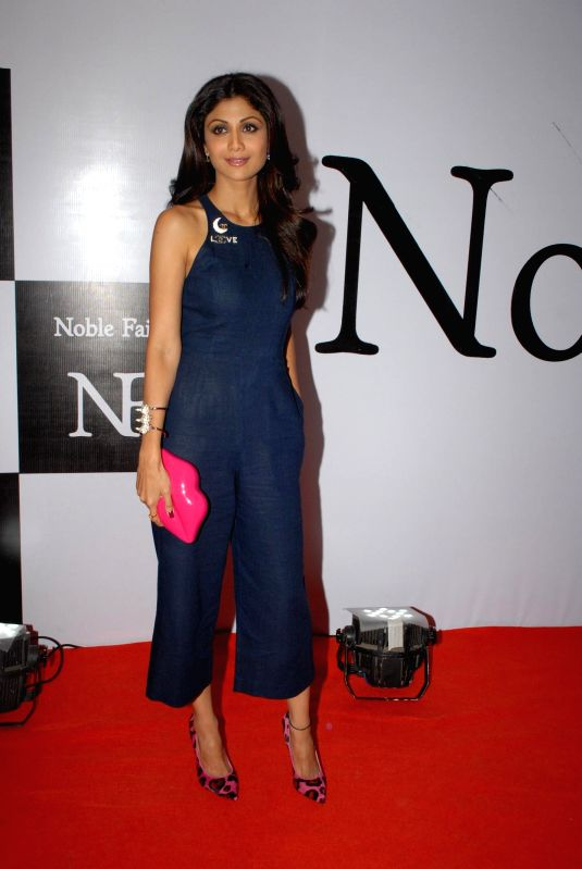http://files.prokerala.com/news/photos/imgs/800/actress-shilpa-shetty-during-the-launch-of-the-212754.jpg