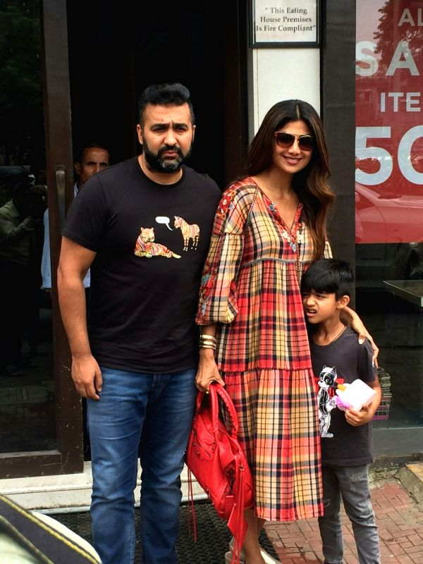 Actress Shilpa Shetty Kundra along with her husband Raj Kundra and son Viaan Raj Kundra seen at Mumbai's Bandra on July 29, 2018. - Shilpa Shetty Kundra and Raj Kundra