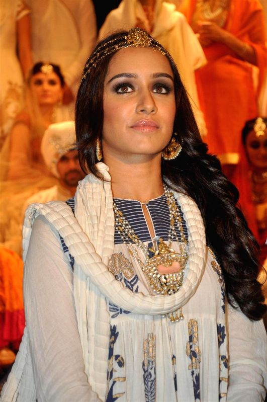 Actress Shraddha Kapoor displays fashion designer Rohit Bal collection for Jabong, in Mumbai on April 15, 2014. - Shraddha Kapoor