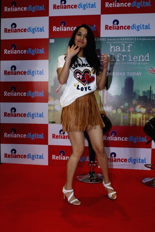 """Actress Shraddha Kapoor during promotions of their upcoming film """"Half Girlfriend"""" Reliance Digital in Mumbai on May 19, 2017. - Shraddha Kapoor"""