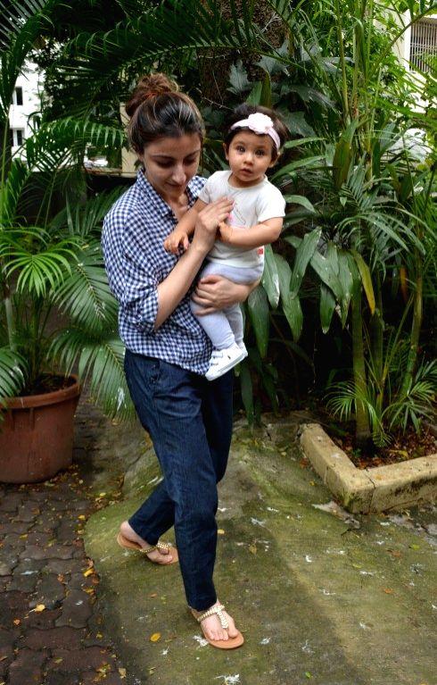 Actress Soha Ali Khan along with her daughter Inaaya Naumi Kemmu  seen at Mumbai's Bandra on Aug 9, 2018. - Soha Ali Khan