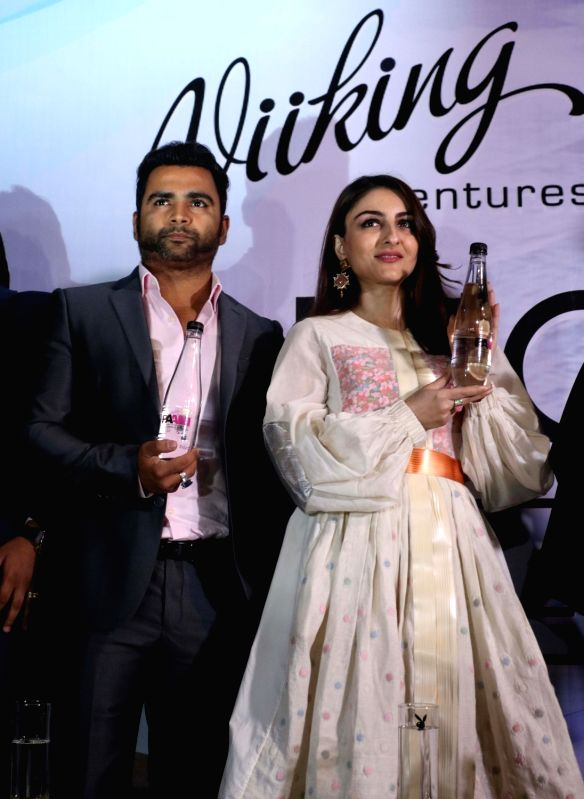 Actress Soha Ali Khan and Viiking Ventures Pvt. Ltd owner Sachiin Joshi during the launch of a mineral water brand in New Delhi on May 3, 2017. - Soha Ali Khan and Sachiin Joshi