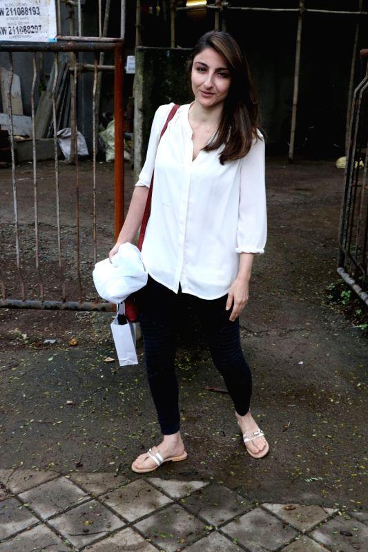 Actress Soha Ali Khan seen at a salon in Juhu, Mumbai's Bandra on July 20, 2018. - Soha Ali Khan
