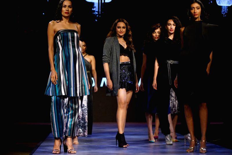 Actress Sonakshi Sinha walks the ramp for fashion brand Vero Moda at AW'18 collection in Mumbai on Aug 8, 2018. - Sonakshi Sinha