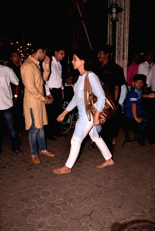 Shashi Kapoor's condolence meet - Sonali Kulkarni and Shashi Kapoor