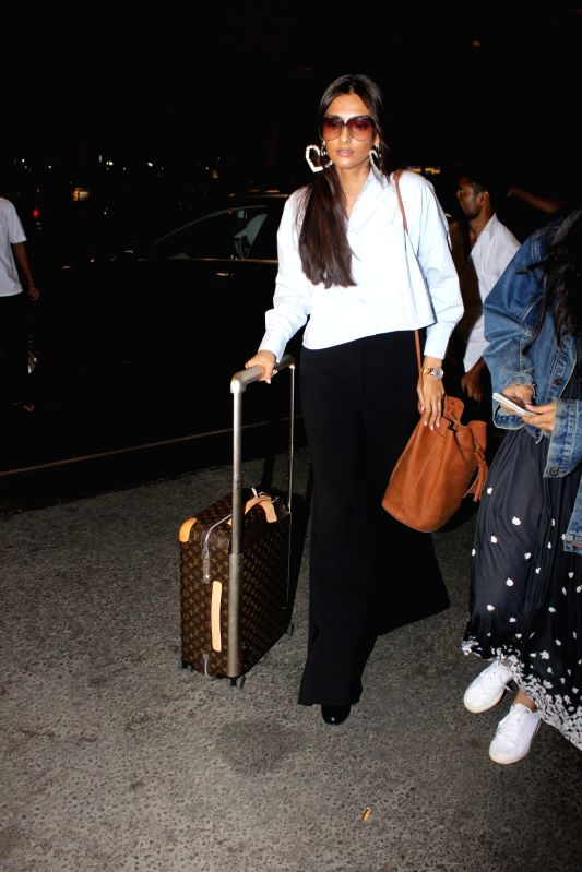 Actress Sonam Kapoor spotted at airport, in Mumbai on May 19, 2017. - Sonam Kapoor