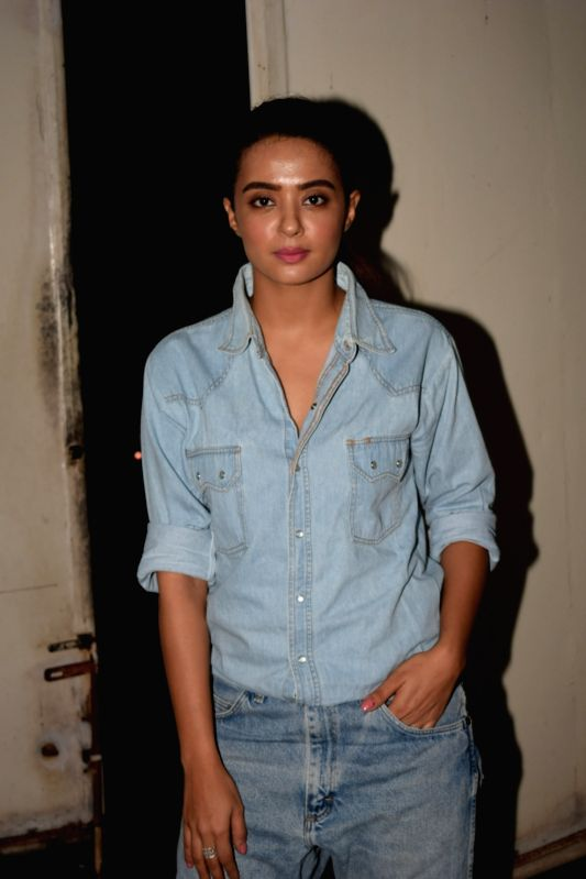 """Actress Surveen Chawla at the special screening of web series """"Haq Se"""" in Mumbai on Jan 30, 2018. - Surveen Chawla"""