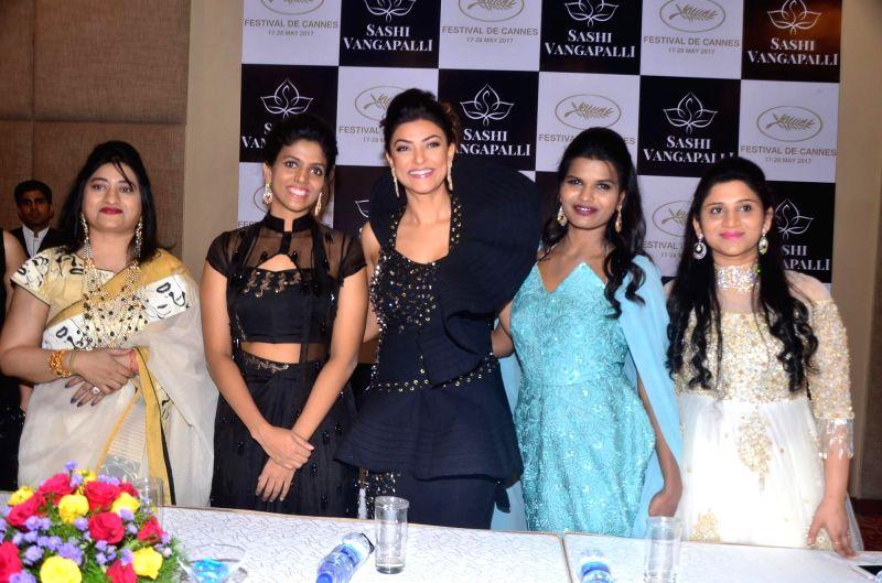 Actress Sushmita Sen and fashion designer Sashi Vangapalli during a programme in Hyderabad on June 9, 2017. (Photo: IANS - Sushmita Sen