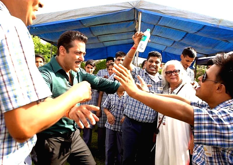 """Actress-turned-politician Bina Kak on Wednesday shared a string of photographs of Bollywood superstar Salman Khan, actress Sonakshi Sinha and the cast and crew of """"Dabangg 3"""" spending some quality time with special children on the film's set. In one"""
