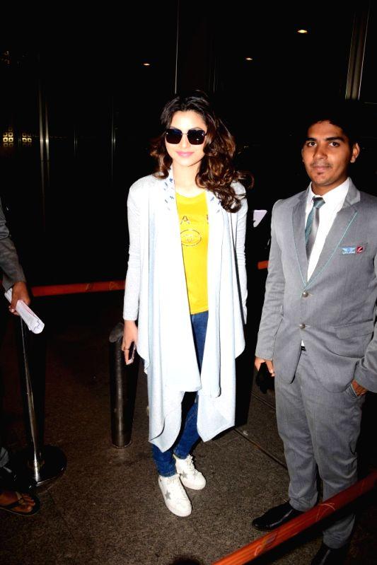 Actress Urvashi Rautela spotted at Chhatrapati Shivaji International Airport, in Mumbai,  on April 21, 2017. - Urvashi Rautela