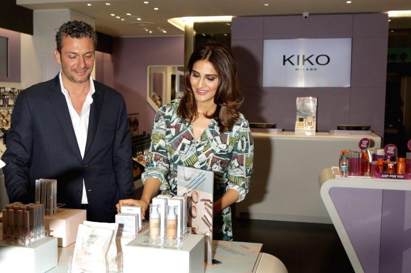 Vaani Kapoor, Diana Penty during a programme - Vaani Kapoor