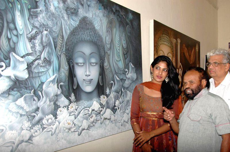 Actress Yagna Shetty during inauguration of a painting exhibition Chitrakala Parishath in Bangalore on April 24, 2014. - Yagna Shetty