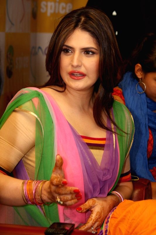 Actress Zarine Khan visited Spice Mall Noida for promotion of her film `Jatt James Bond` in Noida, Uttar Pradesh on April 17, 2014. - Zarine Khan