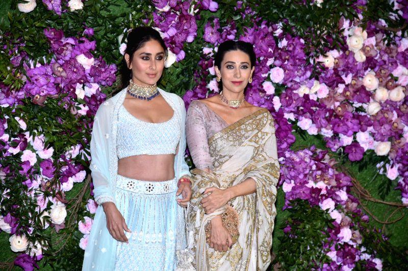 Actresses Kareena Kapoor and Karisma Kapoor. (Photo: IANS)(Image Source: IANS News)