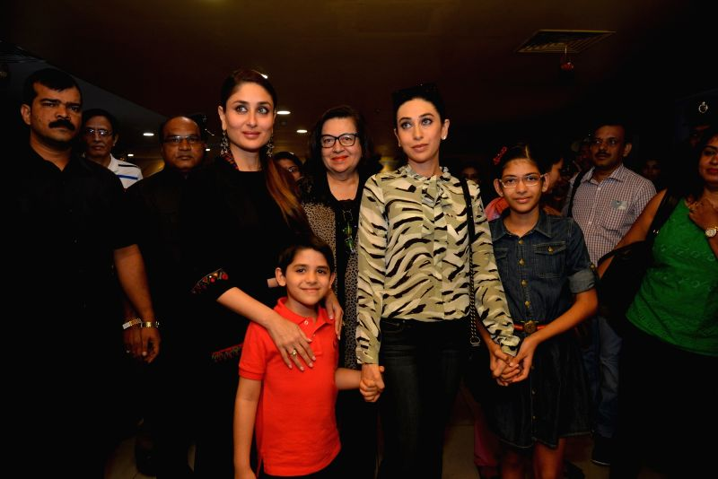 Actresses Karisma Kapoor and Kareena Kapoor Khan during the premier of a film in Hyderabad on Nov 15, 2015.