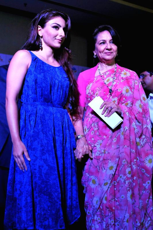 Actresses Sharmila Tagore and Soha Ali Khan at the launch of a health and wellness mall in Jaipur on Aug 31, 2014. - Sharmila Tagore and Soha Ali Khan