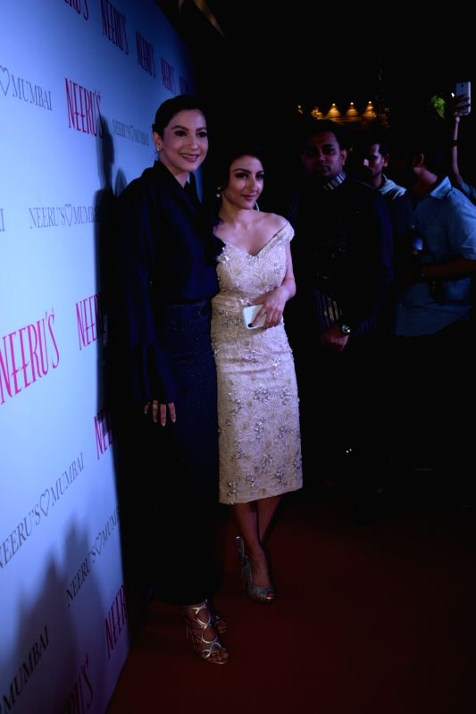 Actresses Soha Ali Khan and Gauahar Khan at a launch of clothing store on Nov 30, 2017 in Mumbai. - Soha Ali Khan and Gauahar Khan