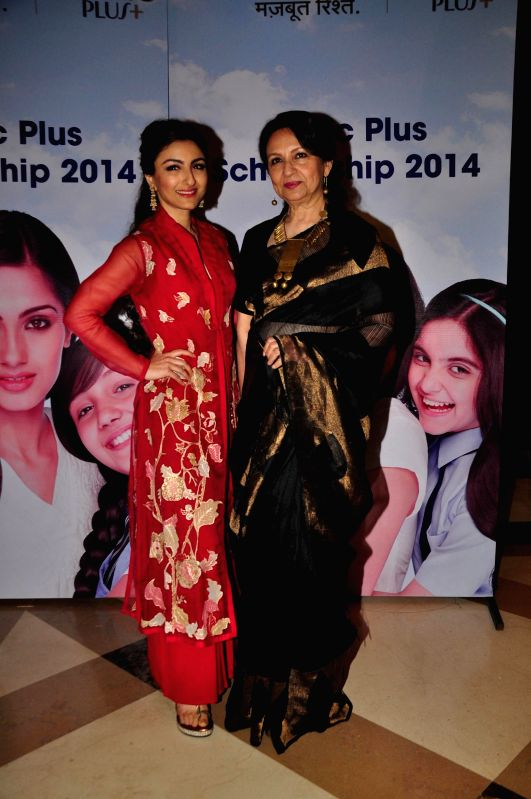 Actressess Soha Ali Khan and Sharmila Tagore during the felicitation ceremony of Clinic Plus scholarship programme 2014-15  in Mumbai on 20th Jan 2015.