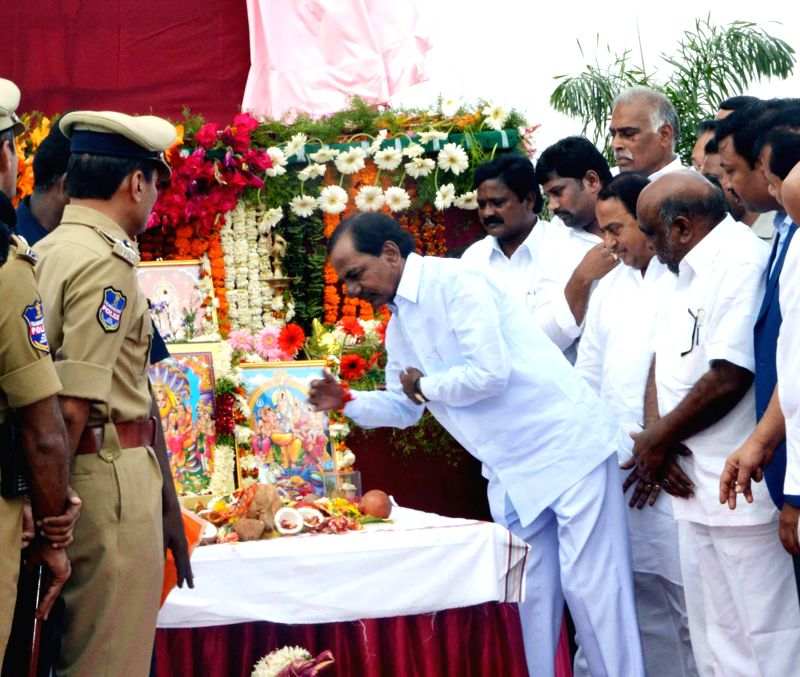 Telangana Chief Minister K Chandrasekhar Rao lays the foundation stone of a 600 MW power plant at Mancherial in Adilabad district of the state  on March 3, 2015. - K Chandrasekhar Rao