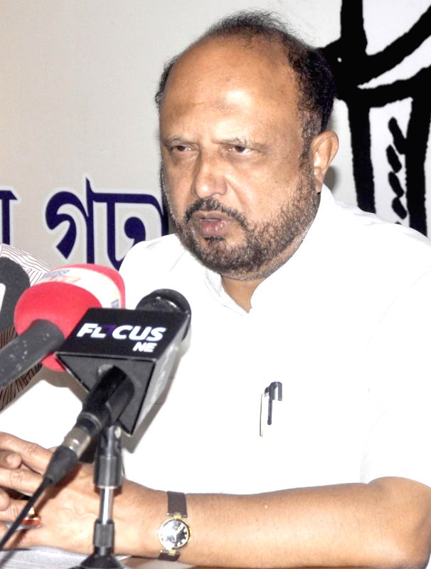 AGP president Prafulla Kumar Mahanta addresses a press conference in Guwahati on April 13, 2014. - Prafulla Kumar Mahanta