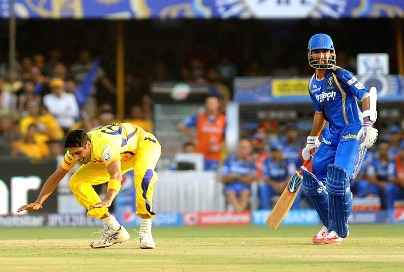 Ashish Nehra and Ajinkya Rahane during an IPL-2015 match between Chennai Super Kings and Rajasthan Royals at Sardar Patel Stadium, Motera, in Ahmedabad, on April 19, 2015. - Ashish Nehra and Sardar Patel Stadium