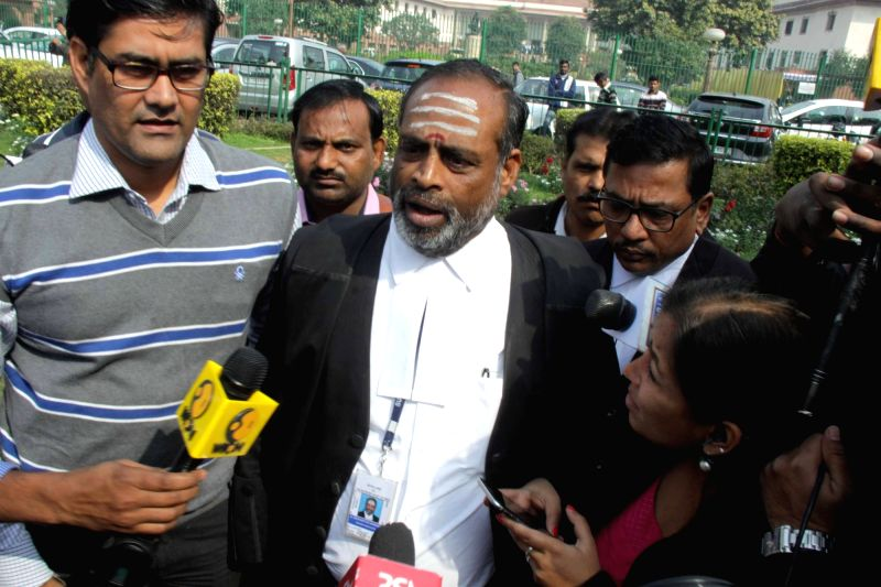 AIADMK MP and layer for Tamil Nadu A. Navaneethakrishnan talks to press outside Supreme Court regarding the apex court's verdict on Cauvery water sharing between Karnataka and Tamil Nadu ... - Amitava Roy