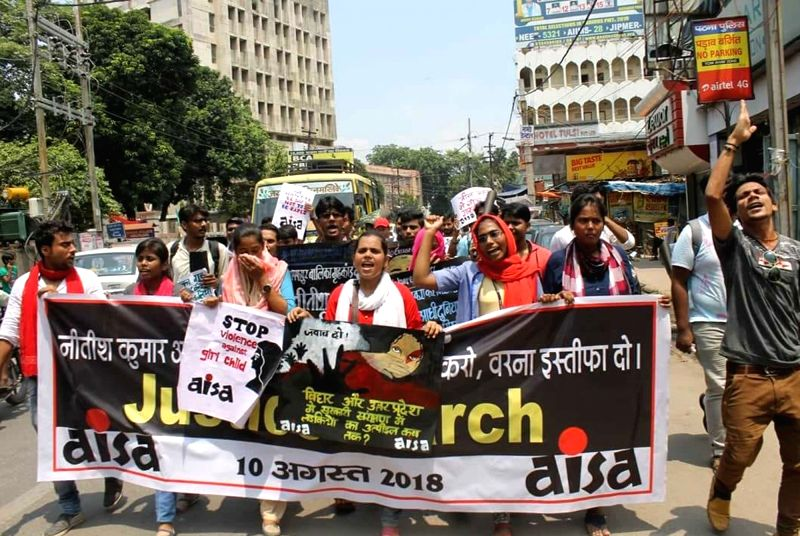 AISA activists stage a demonstration against Muzaffarpur shelter home rapes, in Patna on Aug 10, 2018.