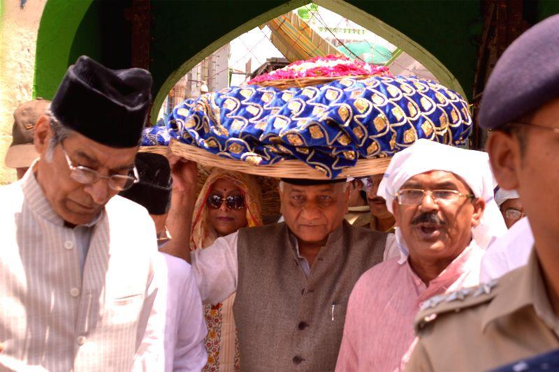 Union Minister of State for External Affairs General (Retired) V K Singh visits the shrine of Khwaja Moinuddin Chisti in Ajmer on May 3, 2015. - V K Singh