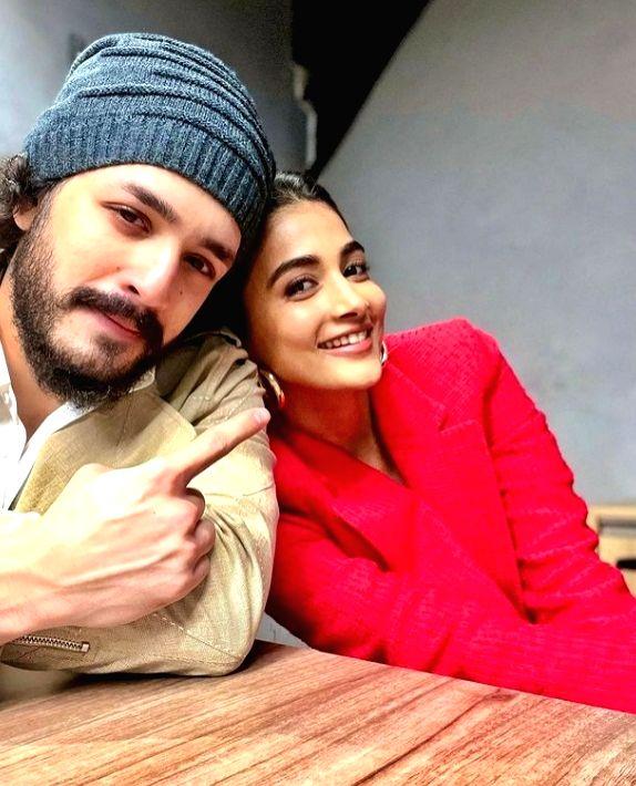 Akhil Akkineni and Pooja Hegde.(photo:instagram)