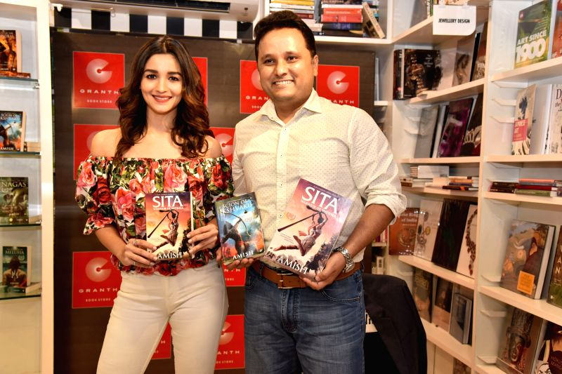 Alia Bhatt launches trailer of Amish Tripathi\'s upcoming book - Tripathi
