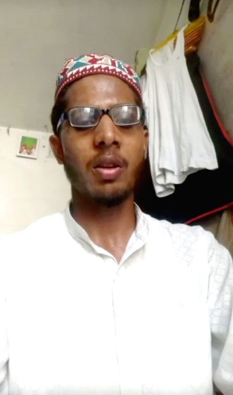 Aligarh: Mohd Farman Niazi, a student of a madrasa in Bareilly who survived a mob attack that took place on Tuesday. Niazi was travelling from Aligarh to Bareilly on a train when some youths entered at the Rajghat Narora station and seeing his skull