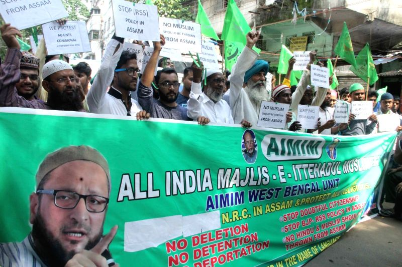 All India Majlis-e-Ittehad-ul Muslimeen (AIMIM) workers stage a protest against Assam National Register of Citizens (NCR), in Kolkata, on Aug 10, 2018.