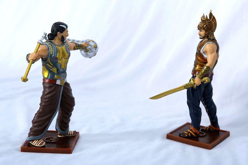 Amarendra Baahubali and Bhallaladeva figurines.
