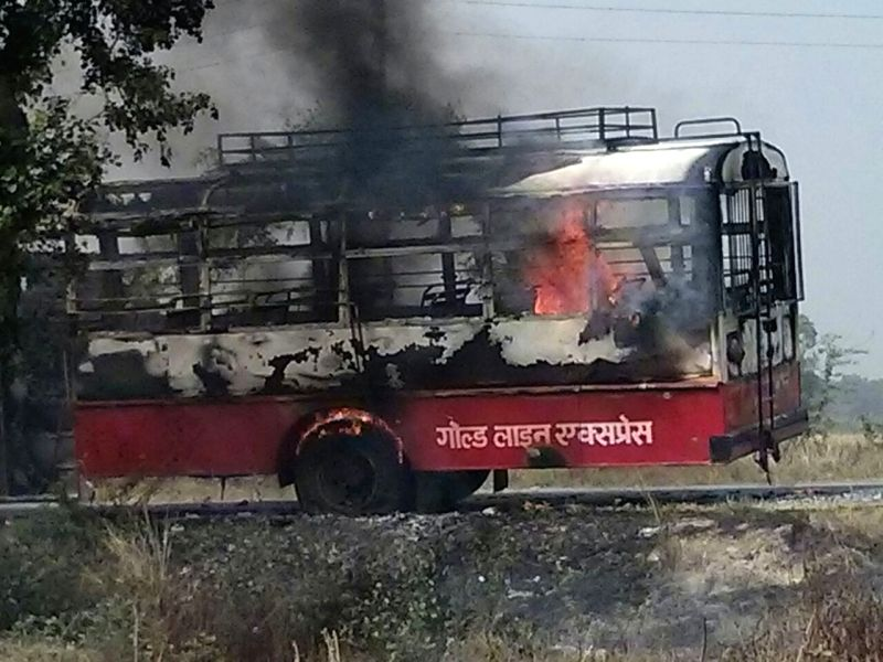 The state transport bus in which nine people were burnt alive and six critically injured after it caught fire in Amethi on April 21, 2015.