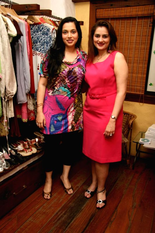 Amisha Khanna Showcase her New Collection at Cypress in Khar.