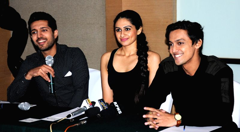 (L to R) Actors Saatvic, Sonel Singh and Teeshay Shah during a press conference of their ongoing serial `Everest` on Star Plus in Amritsar on Nov. 27, 2014. - Saatvic, Sonel Singh and Teeshay Shah