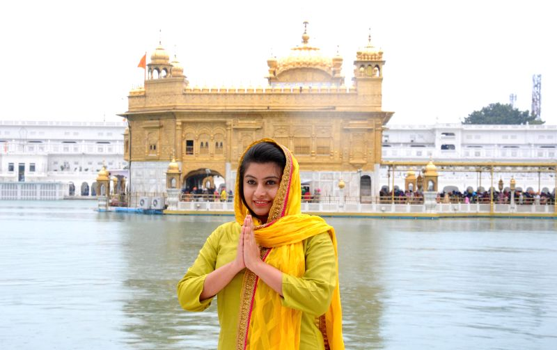 MasterChef India 4' finalist Drishti pays obeisance at the Golden Temple in Amritsar on March 5, 2015.
