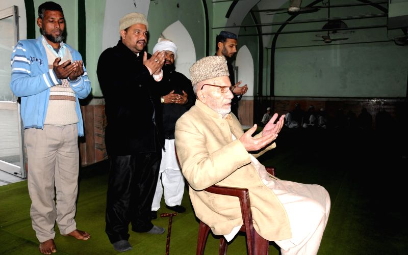 Pakistan Muslim League leader M Hamza offers prayer at the historical Jama Masjid Khairuddin before returning back to Pakistan, in Amritsar on Jan 12, 2015.