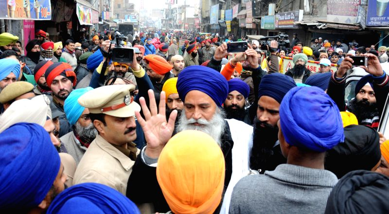 Sikh radical leader Amarik Singh being taken away by police during a statewide strike called by Sikh radicals to demand release of Sikhs prisoners who are languishing in various jails ... - Amarik Singh