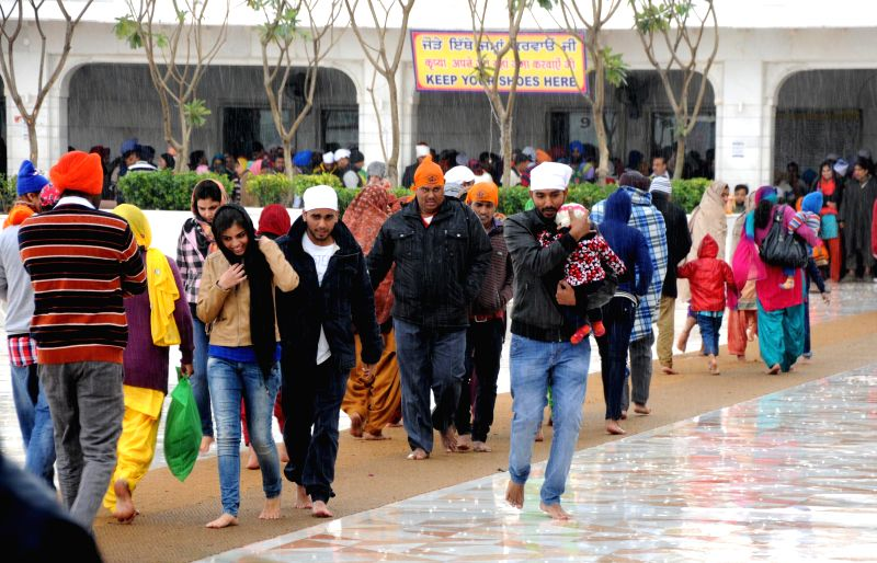 The first winter rains lash Amritsar bringing down temperature in the city on Dec 14, 2014.