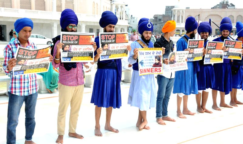 The members of Jatha Neeliyan Faujan stage a demonstration against upcoming film Nanak Shah Fakir at the Golden Temple in Amritsar on April 14, 2015.
