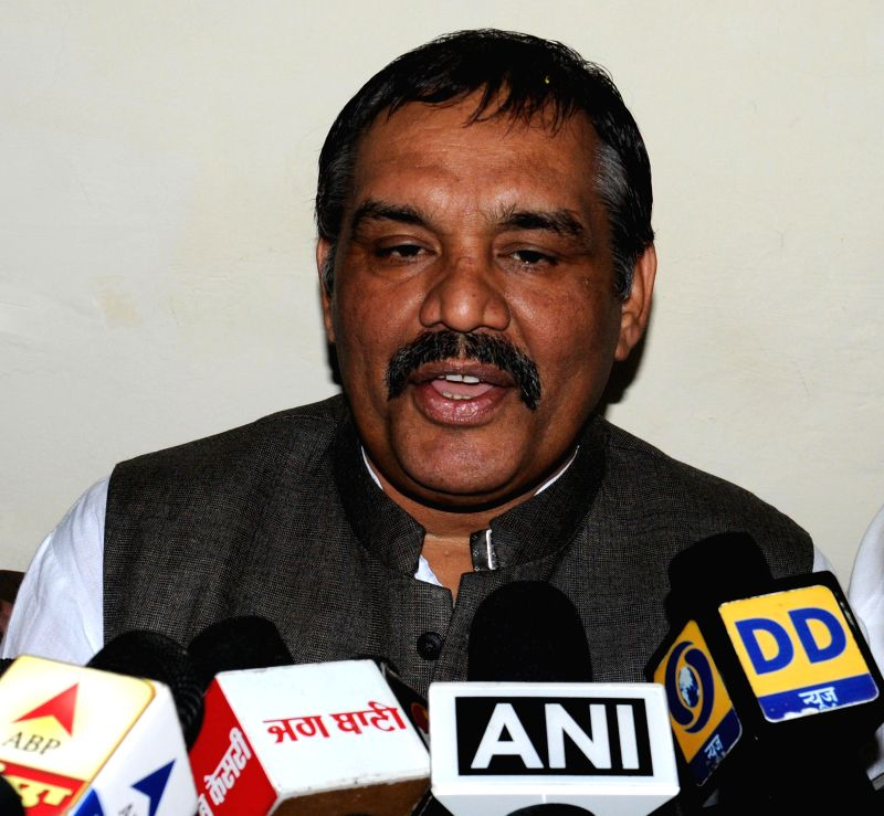 Union MoS for Social Justice and Empowerment Vijay Sampla addresses press in Amritsar, on Nov 13, 2014.