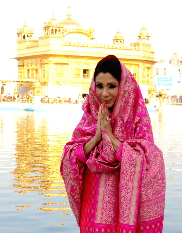 VLCC founder Vandana Luthra pays obeisance at the Golden Temple in Amritsar on Dec 9, 2014.