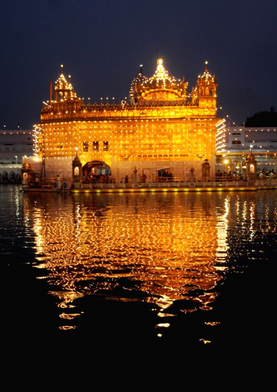An illuminated Golden Temple on the occasion of birth anniversary of second sikh guru Guru Angad Dev in Amritsar on May 7, 2016. - Angad Dev
