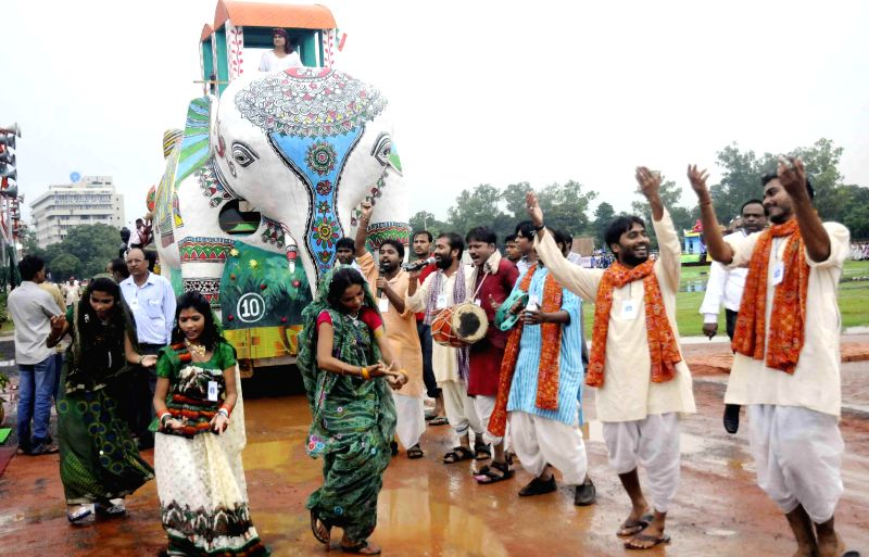An Independence Day tableau during 68th Independence Day Parade at Gandhi Maidan in Patna on Aug 15, 2014.