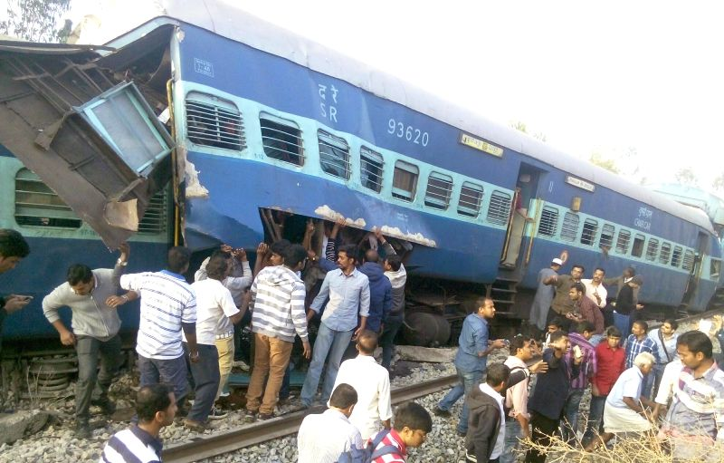 The derailed bogies of the Bengaluru-Erankulam inter-city express between Anekal station (near Bengaluru) and Hosur (in Tamil Nadu) on Feb 13, 2015. Twelve passengers died and 30 were injured