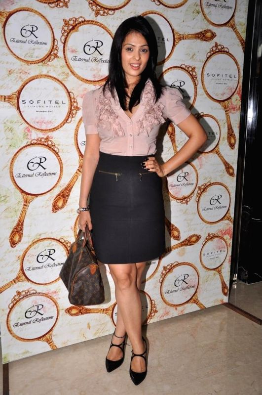 Anjana Sukhani during the High Tea Jewellery Preview in Mumbai on July 5, 2014.