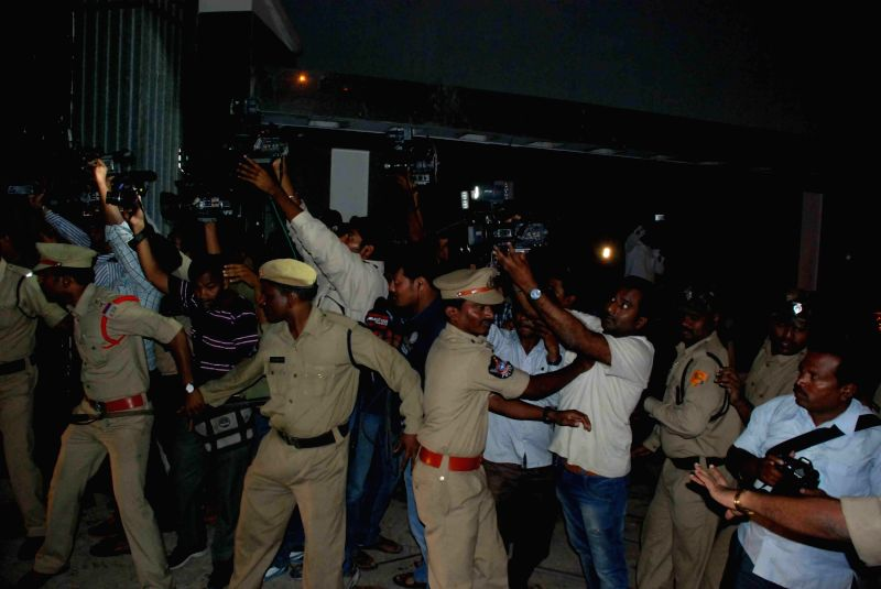 AP Police on guard as YSR Congress chief Y S Jaganmohan Reddy who is on fast against the bifurcation of Andhra Pradesh, at the Chanchalguda jail, being shifted to a government hospital late night on .